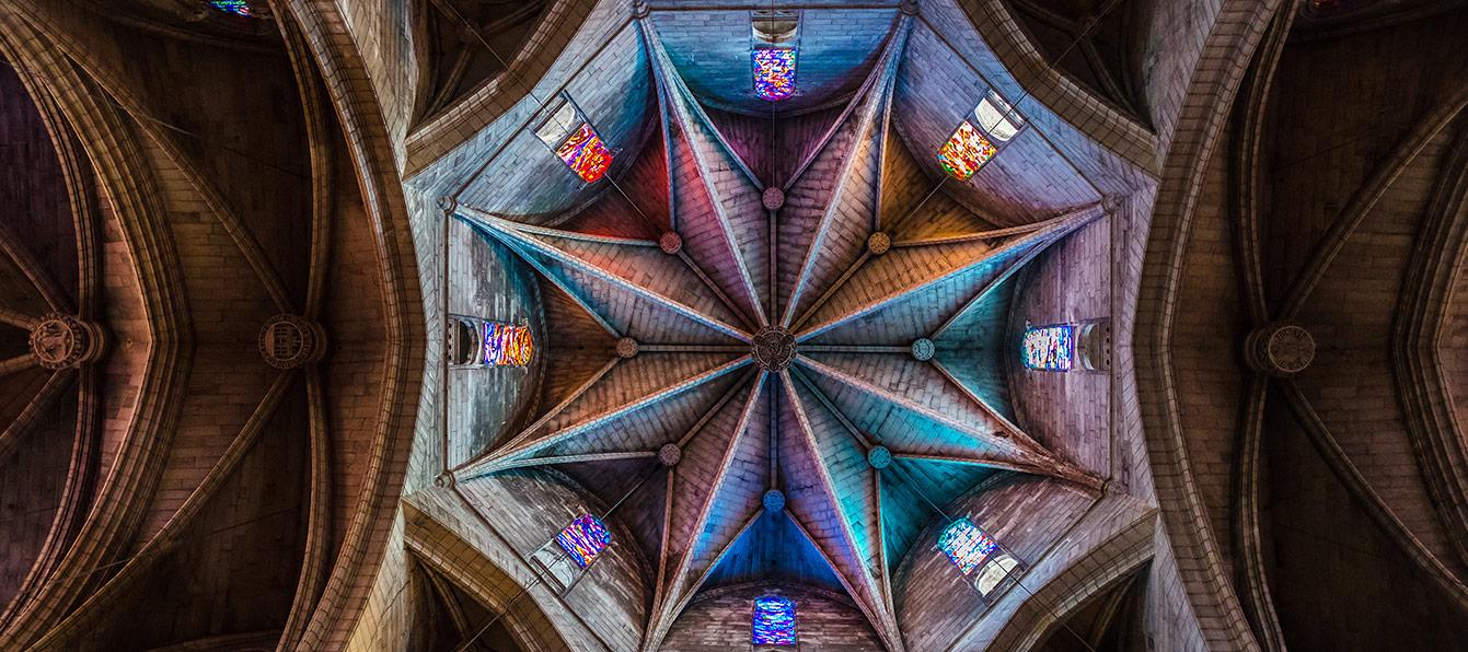 soller-iglesia-interior-living-blue-mallorca.jpg