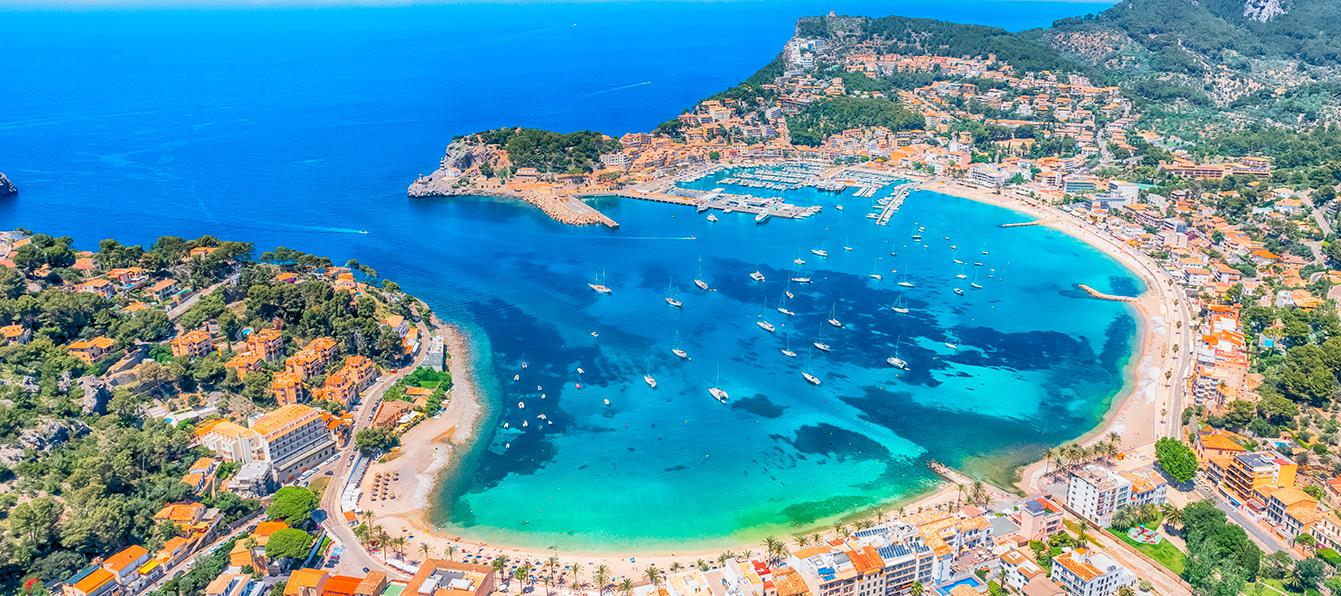 puerto-soller-vistas-living-blue-mallorca.jpg