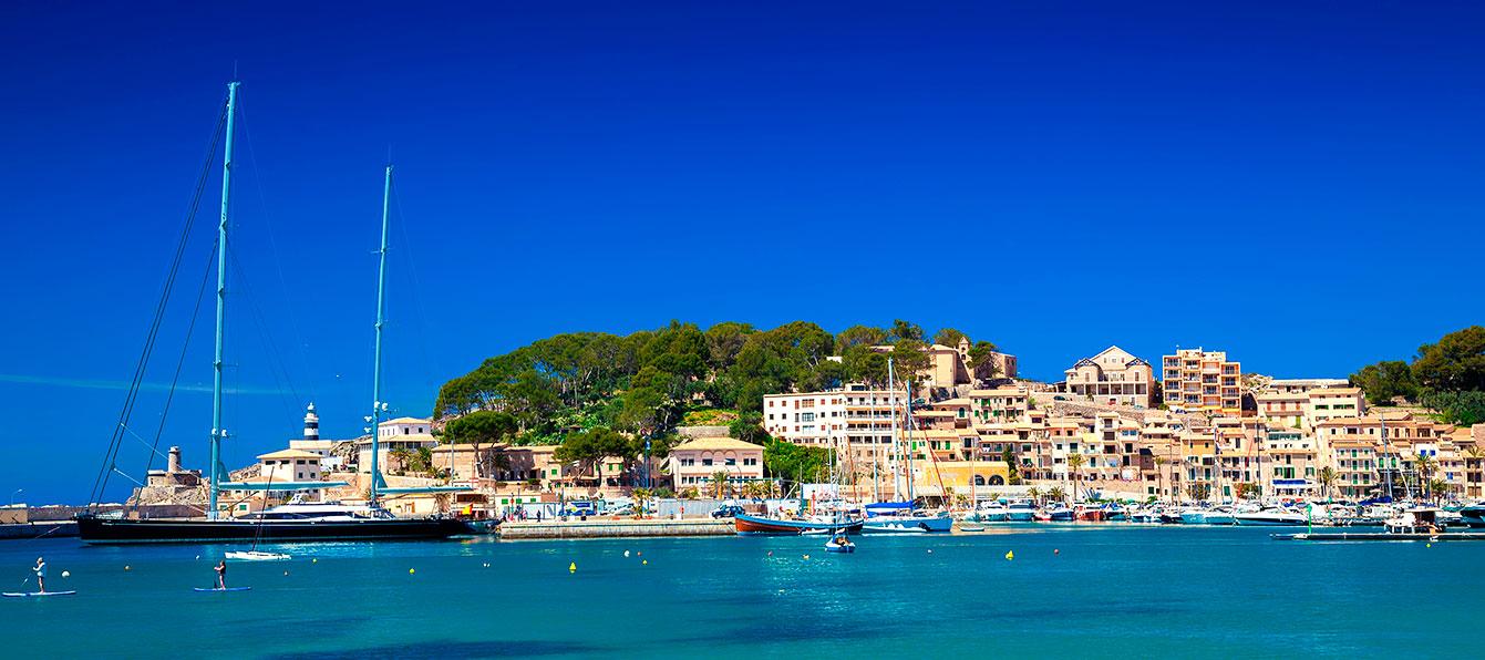 puerto-soller-vista-mar-living-blue-mallorca.jpg